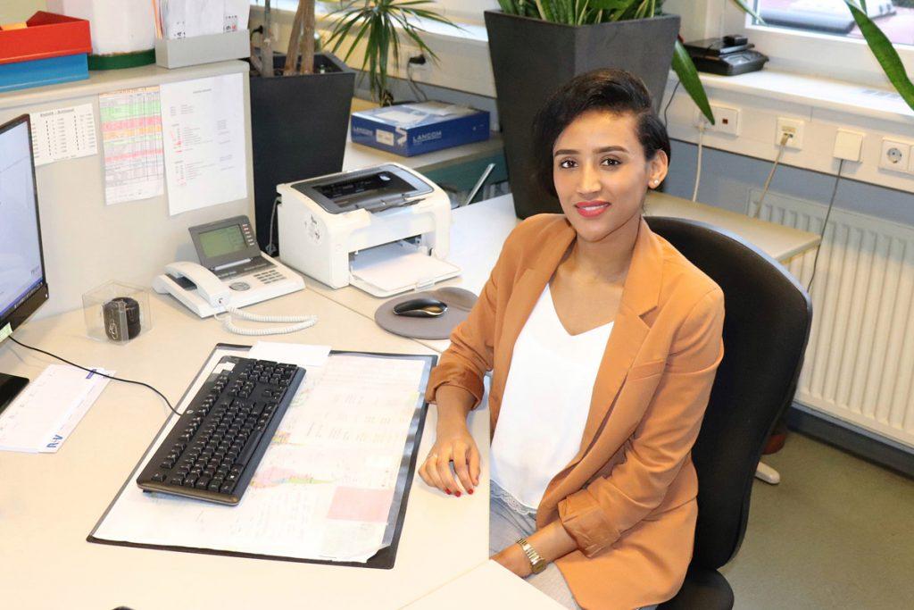 Portrait Lucia Mesgena  - Vogler GmbH - Ingenieurbüro für das Kraftfahrzeugwesen